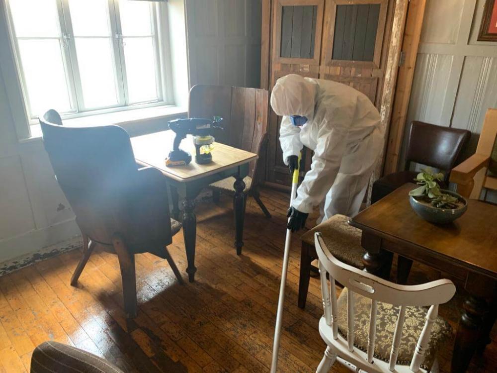 deep cleaning floors