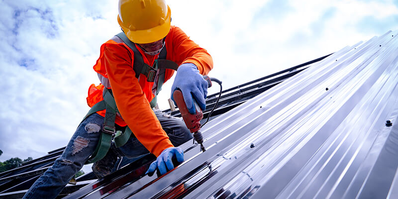 Fitting Metal Roofing